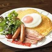 ベーコンエッグパンケーキ(Bacon & sausage with Pancakes)