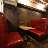 座り心地抜群のソファ席。人気のお席です!誕生日会や女子会などにぴったり。