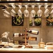 種類豊富に揃うワイン。料理とのマリアージュを楽しむ