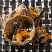上海蟹を生きたままを紹興酒に漬け込んだ『酔蟹』