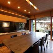 カウンターがつくられたテーブル個室は接待や商談に最適