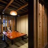 木がふんだんに使われた温かみのある個室
