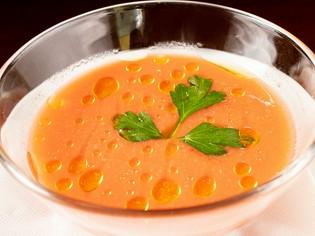 新鮮な旬の野菜をなめらかなスープに仕立てた『ガスパチョ』
