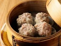 豚肉と隠し味に加えたエビや椎茸が絶妙なバランス『焼売』