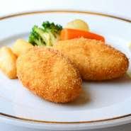 タラバガニの風味と旨みがつまる贅沢な一皿『かにクロケット』