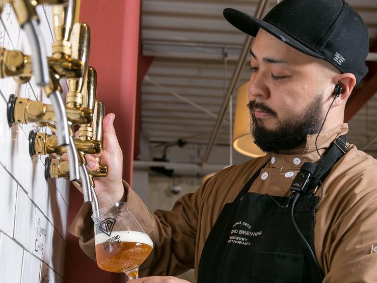 ビールと料理がおいしさの相乗効果を生み出します