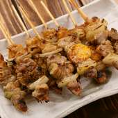 一本でいろいろな食感と味が楽しめる『鳥串(美唄焼鳥)』