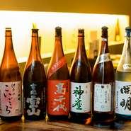 食にこだわる大人の宴会を催しませんか。ドリンクはソムリエセレクトのワインに飲み頃の日本酒。女性向けのカクテルも豊富にラインナップ。九州料理と共に楽しめます。