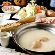 博多の水炊きを名古屋で味わう。鍋・小鉢・〆のうどんのセットのみの提供となります。