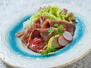 生でも食べられるほど新鮮な長崎和牛のロースや旬の野菜