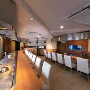 厳選された神戸牛、高級食材「フォアグラ」を使った贅沢なコース