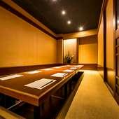 様々な個室を完備。団体様にも最適な個室空間へご案内