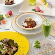エスプーマーを使って仕上げられたトマトの泡状のソースや、シャーベットなども取り入れられたオードブル。京野菜、大原野菜といった様々な野菜が使用されているため、多様な食感が味わえる逸品です。