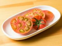 メニュー表はなし、お客様の好みの調理法で野菜を変身させる『野菜料理』(写真は下関のトマト)