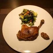 鴨モモ肉のコンフィ