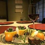 冬場は白山ジビエももちろんですが、おいしい冬野菜、川魚も、冷たい水で身が締まって更に美味しくなります。ジビエ会席と申しましても、様々な冬の美味しい食材がたくさん出てまいります。