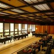 忘新年会は、お隣白山ヒメ神社様(歩いて3分)で一年のお礼参りと初詣の後にゆっくりとお食事を。