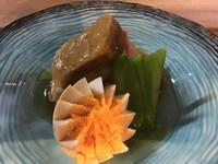 埼玉県で育った黒豚の角煮です。
