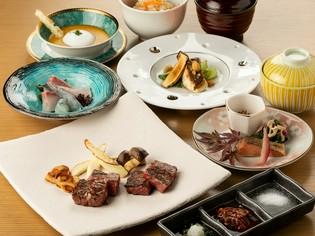和食の懐石料理のように色々な料理が登場『バラエティーコース』