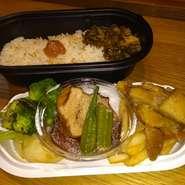 黒豚の角煮&地鶏のコンフィランチをベースにしたお弁当です。