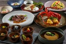 奈良県産野菜をテーマにした前菜、ふかひれの姿煮、伊勢海老と贅沢を尽くした当店のスペシャリティコース。