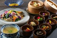 本格中国料理の定番メニューをコース仕立てで提供。