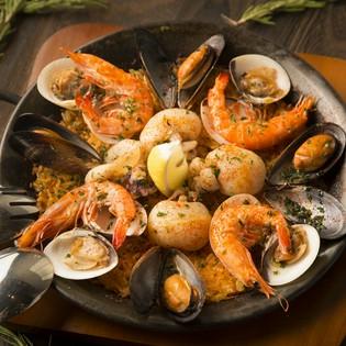 スペイン料理の定番。具沢山の『パエリア』