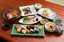 よし寿司の人気の品を取り揃え