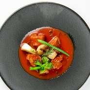 ・トマトクリームソースのショートパスタ  ・スープ ・パン ・デザート ・ジュース