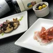小皿メニューはリーズナブルでバリエーションも豊富。いろいろな種類を少しずつ食べたい人にぴったり。