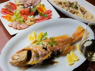 爽やかな旬のフルーツのカクテル