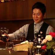 ワイン×天ぷら・季節料理で、新しい食の愉しみをご提供。また、店で過ごす時間を通して、気持ちが和んだり、明日の元気につながる+αを届けたいと思っています。ワインや料理のセレクトのご相談もお気軽にどうぞ!