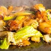 ジューシーな脂の甘さが絶妙な『ホルモン(小腸)野菜炒め』