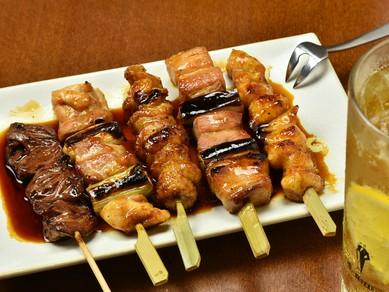 その日の良質な食材を串焼で『串焼盛り合せ(5本) 塩・たれ』