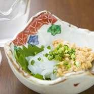 日本酒のアテにおすすめの『イカ納豆』。納豆も自家製!