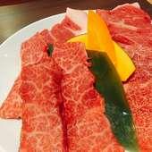 上品な脂の甘み、肉の旨さ際立つ『肉屋の贅沢盛り』