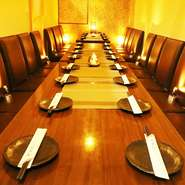 女子会や合コンにもオススメなお席を多数ご用意しております。団体のお客様も最大70名様までご案内OK。広々解放感溢れる店内は大小の個室を種類豊富にご用意いたしております。