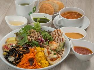 好きなサラダやデリが選べる『New York Style DELI Lunch』