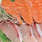 お好き魚の刺身を自分で選んでご注文できます○サーモン、○ブリ、○いくら、○カンパチ、○真鯛、○うに