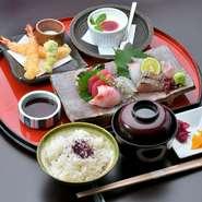 (食前酒付き)小鉢九種・揚物・ご飯・お椀・香の物・デザート