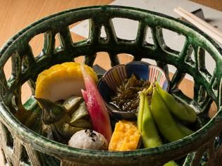 料理長のその日のひらめきとイメージで作る『前菜七種』