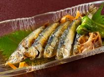 「ままかり」や「黄ニラ」など、岡山名物や郷土料理も多数