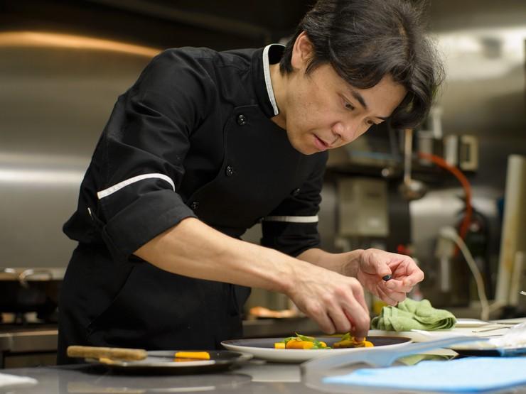 完全予約制として、料理・サービスの両方に100%の力を注ぐ