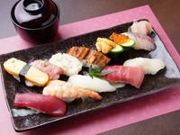 職人技によって引き出された、地場の魚の美味しさに感嘆必至の『すし盛り合わせ<華>』