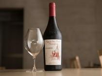 厳選されたナチュールワインで乾杯