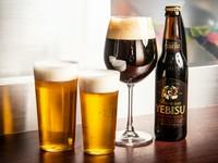 平日と土曜日の夜は【アラミス】として営業。エンジェルリングとは、グラスに残ったリング状の泡のこと。丹念に磨かれたグラスと、整備されたサーバー。こだわりのビールだけがグラスに残すことができます。