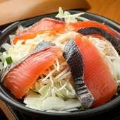 『北海ちゃんちゃん焼き』など、北海のご当地グルメが楽しめるコース。〆は焼きラーメンで!