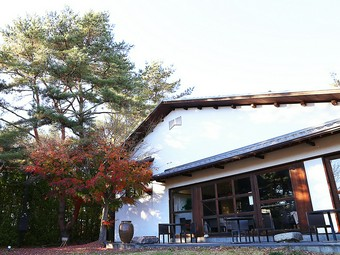 春と秋には、オンリーワンのウェディングパーティーも開催できる