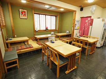 創業150年の名店で、三崎の種類豊富な旬の魚介を存分に満喫!