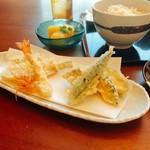海老・旬魚二種・旬菜三種・かき揚げ・前菜・変わり小鉢・お食事・デザート